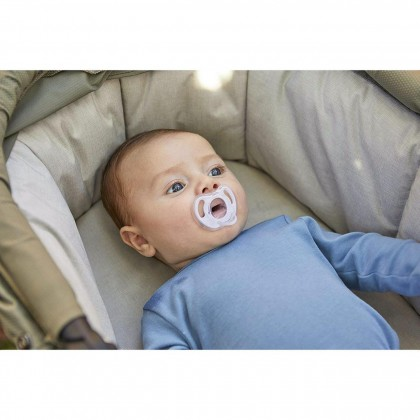 Tommee Tippee Ultra-light Soft One-piece Silicone Soother 6-18Months (1pc)